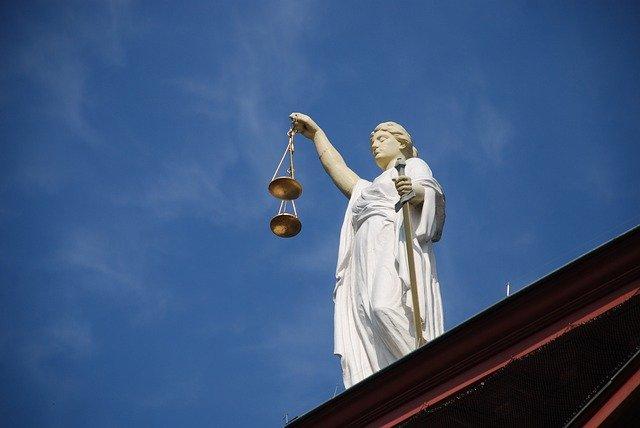 Posąg sprawiedliwości
